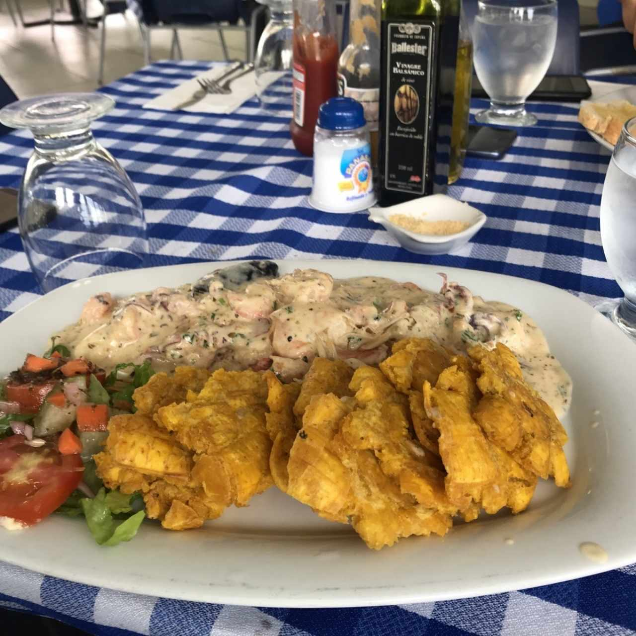 filete en salsa de mariscos