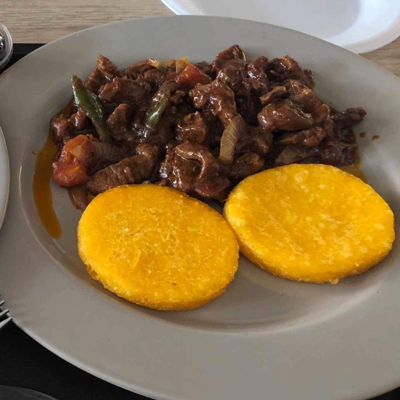 Bistec picado con tortillas