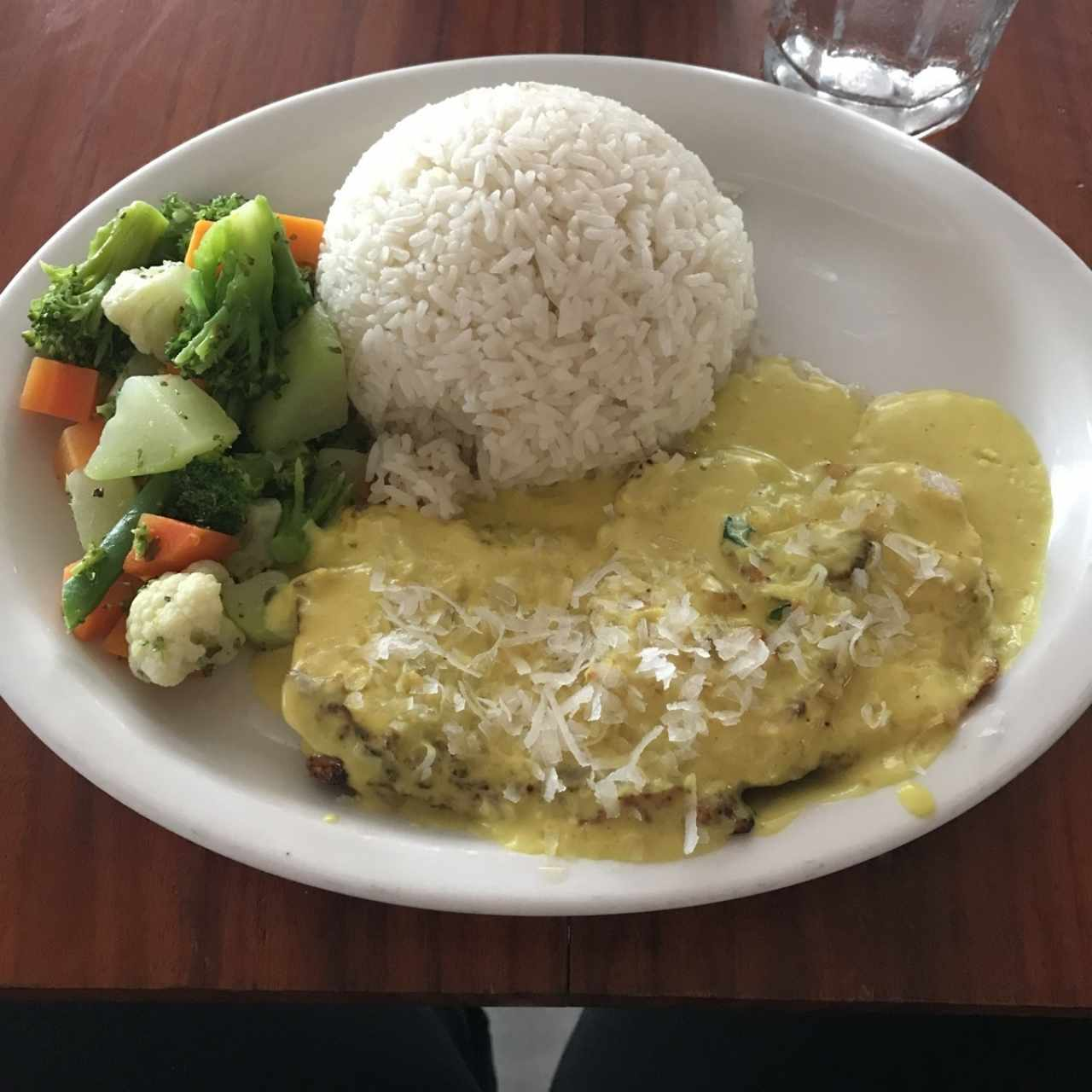 filete de Prscado en salsa de coco y curry