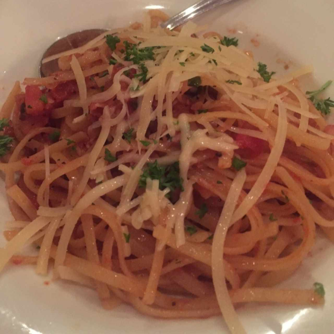 Linguini with bolognese cheese