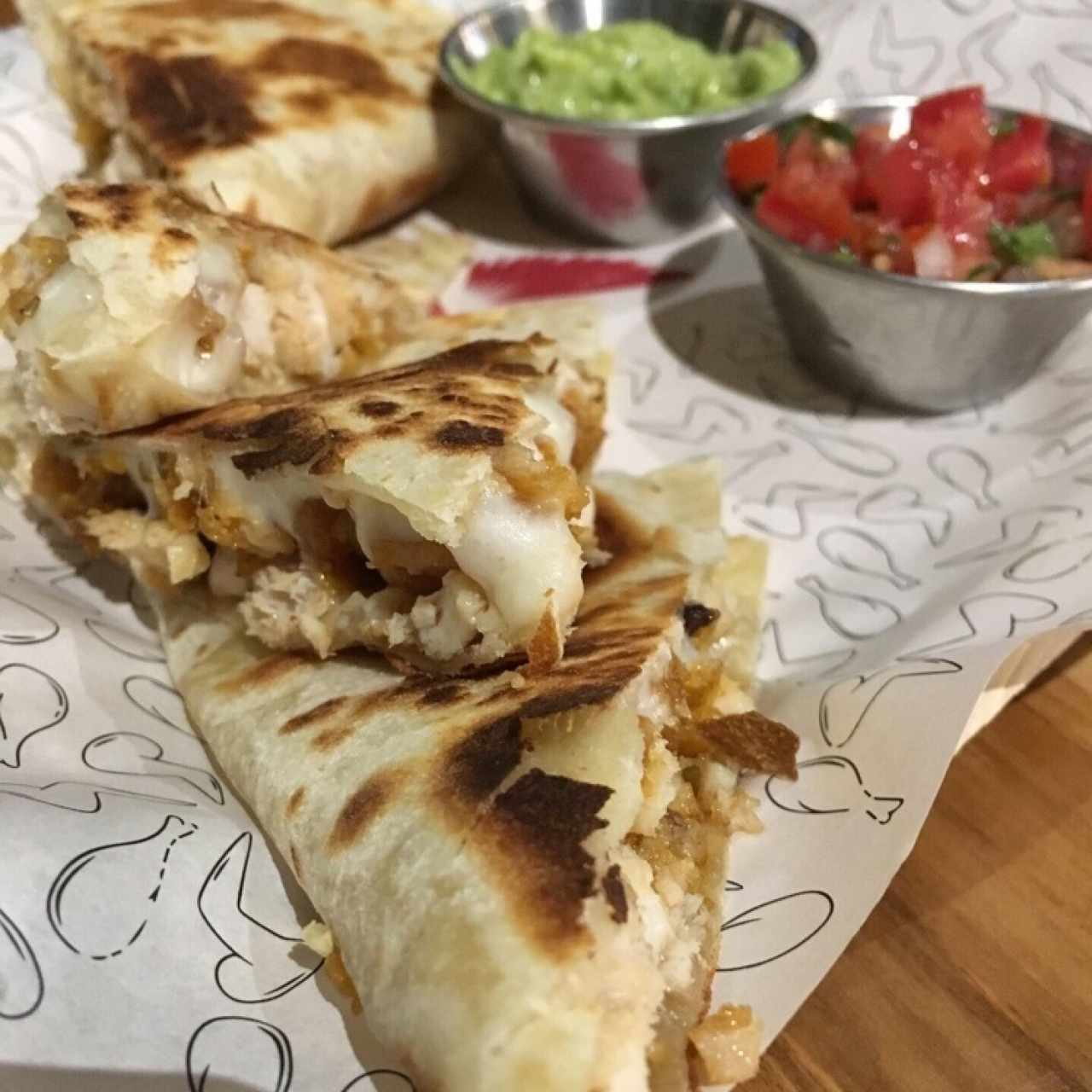Menú Principal - Chicken Quesadillas