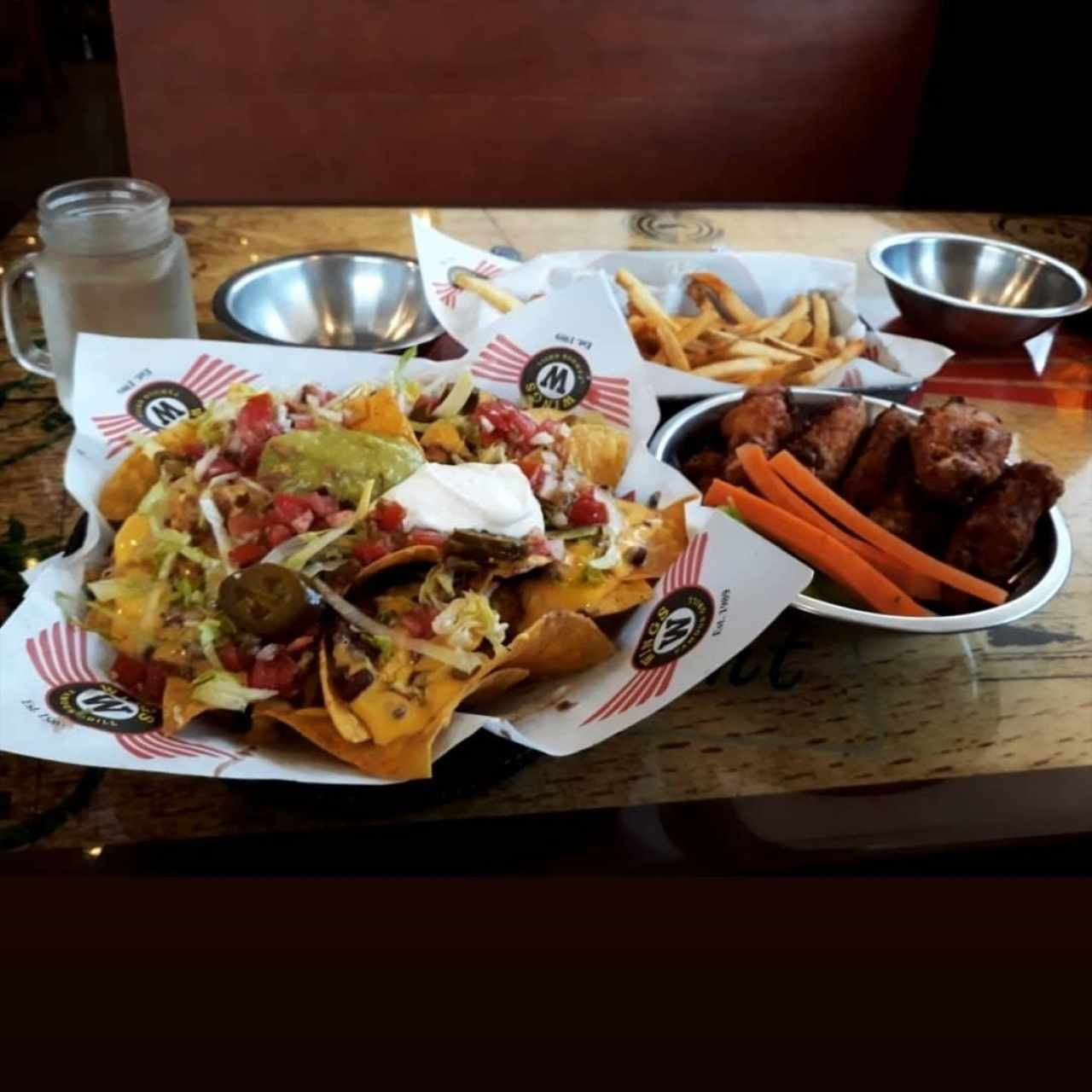 Nachos y wings