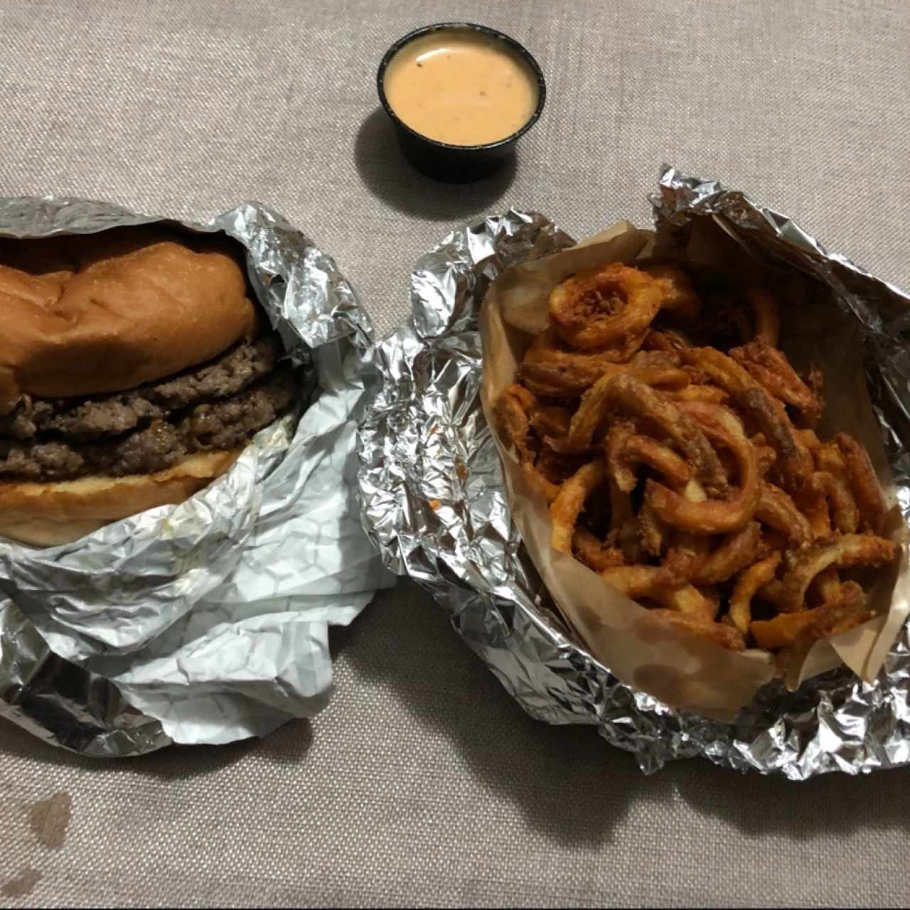 Roadhouse Burger , Curly Fries