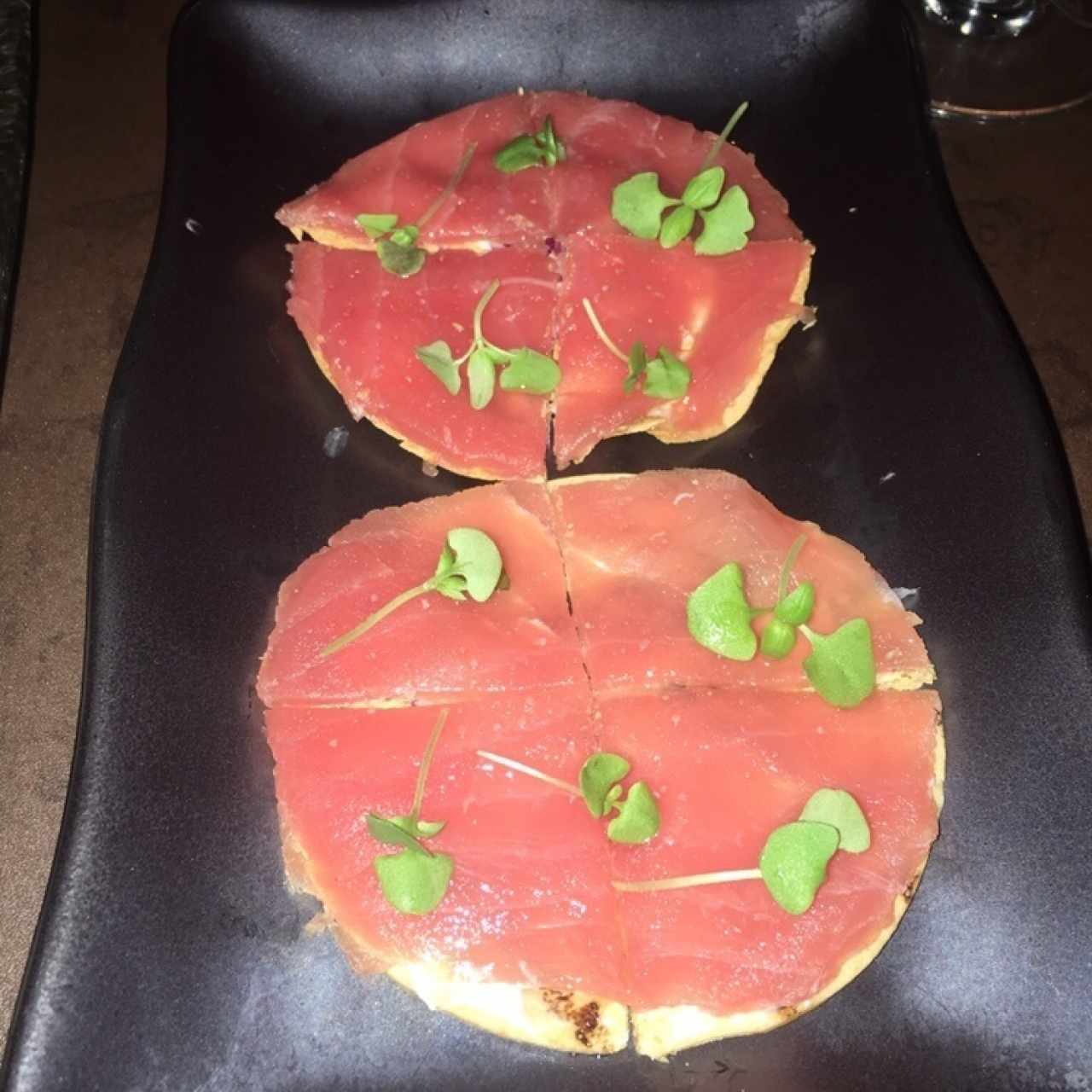 Crudos - Tuna Pizza