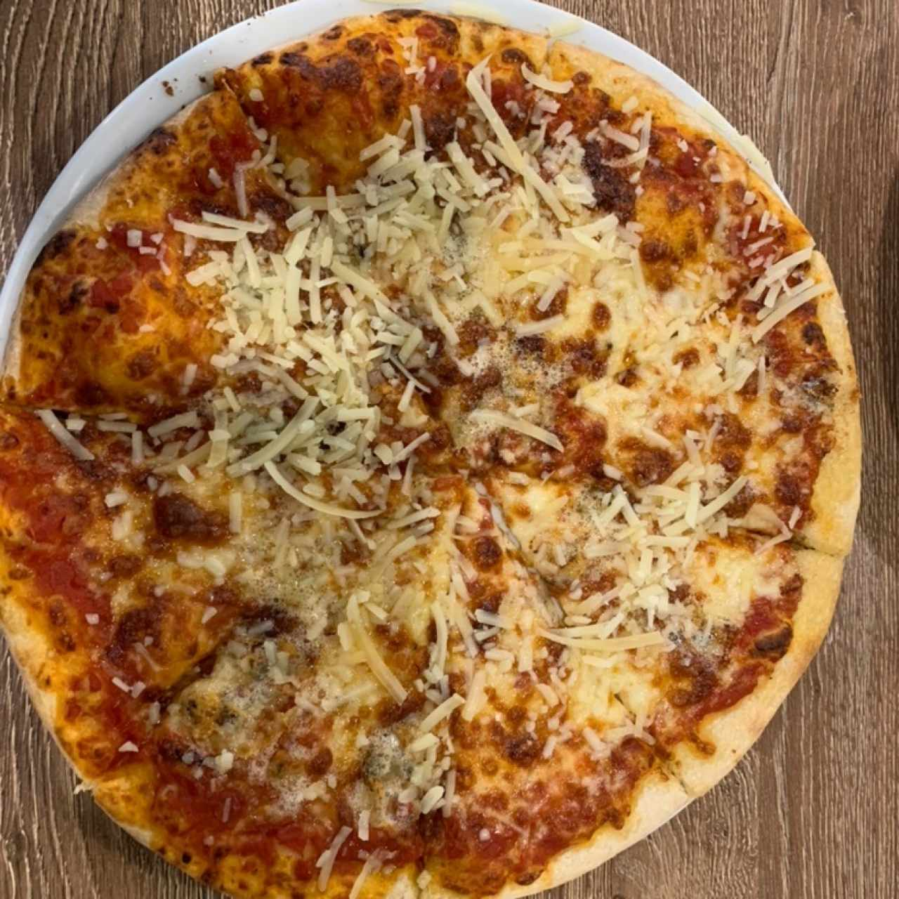 Pizza de quesos