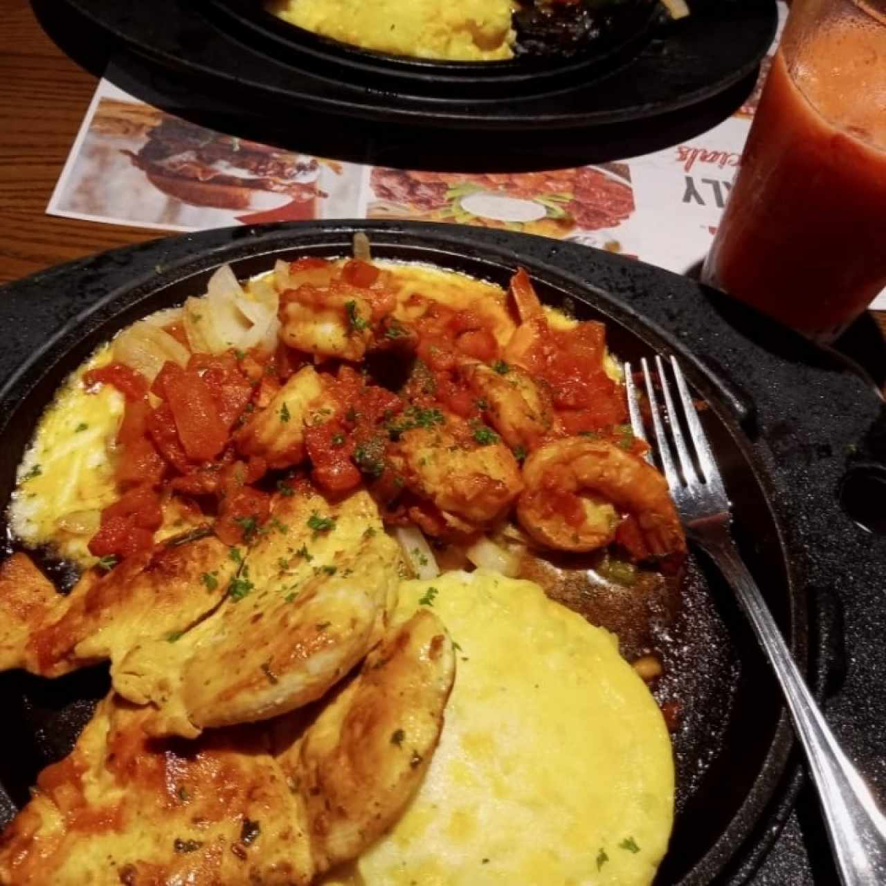 Sizzling Chicken & Shrimp, Jugo de fresa!