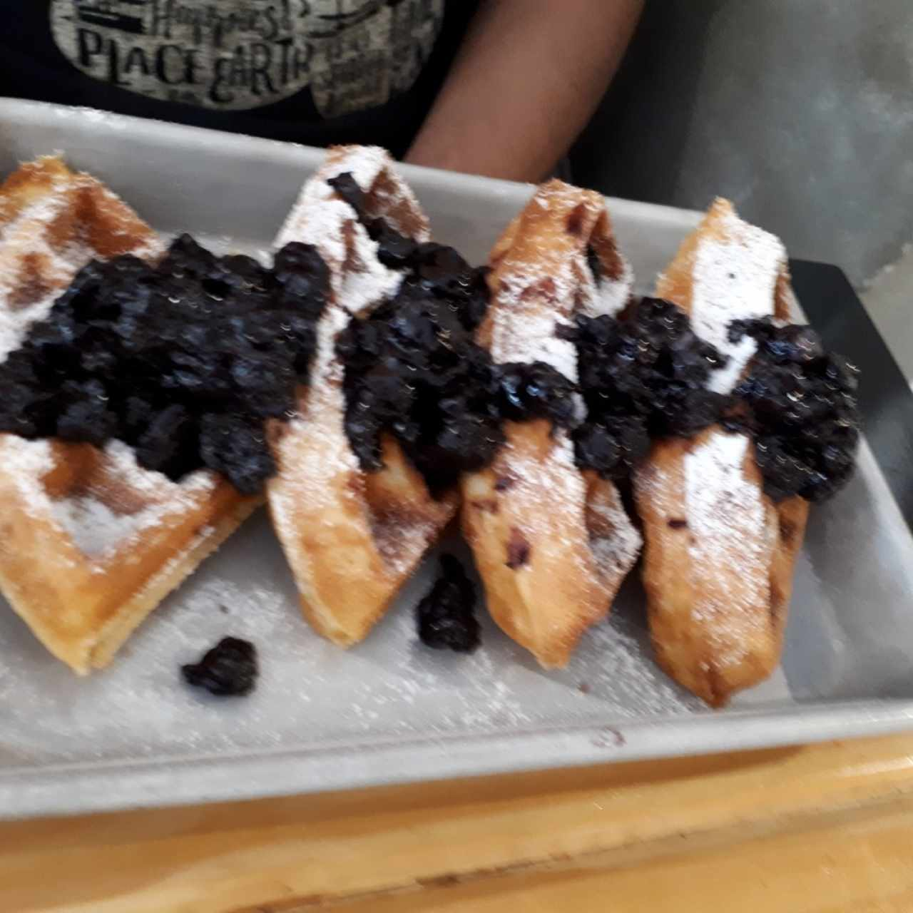 Waffles.con blueberries
