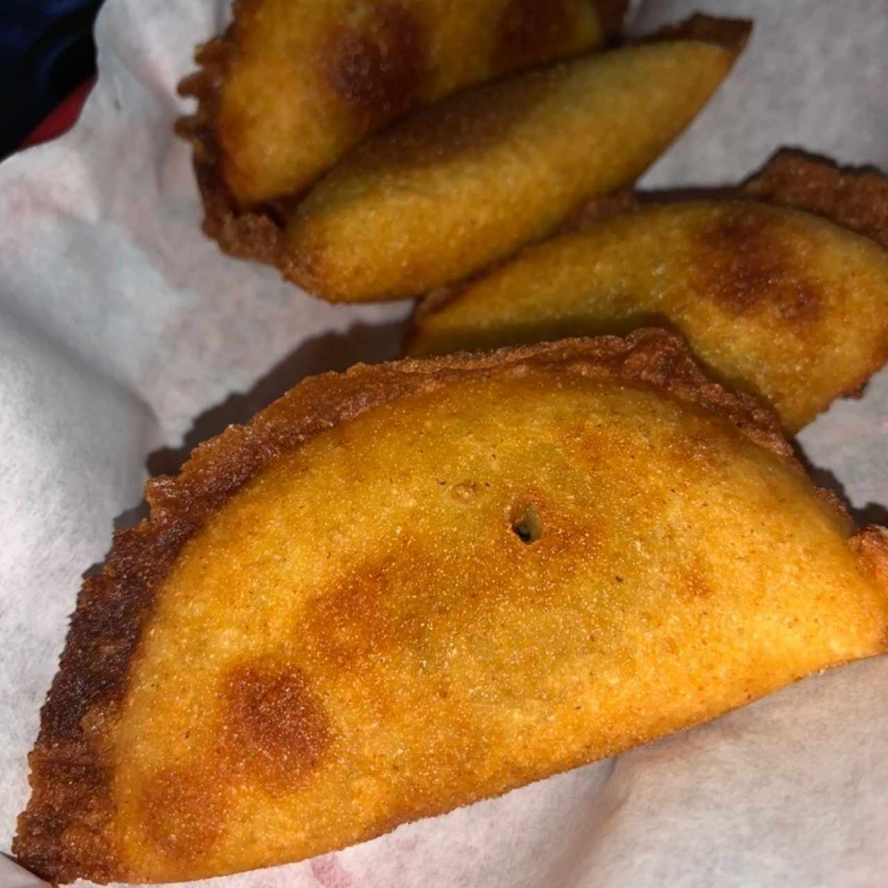 Mini empanaditas de pollo o carne