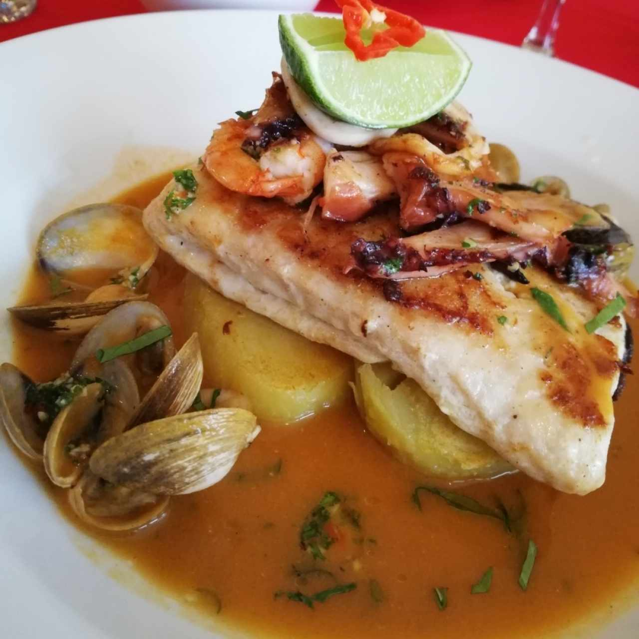 Filete de pescado a la Parihuana