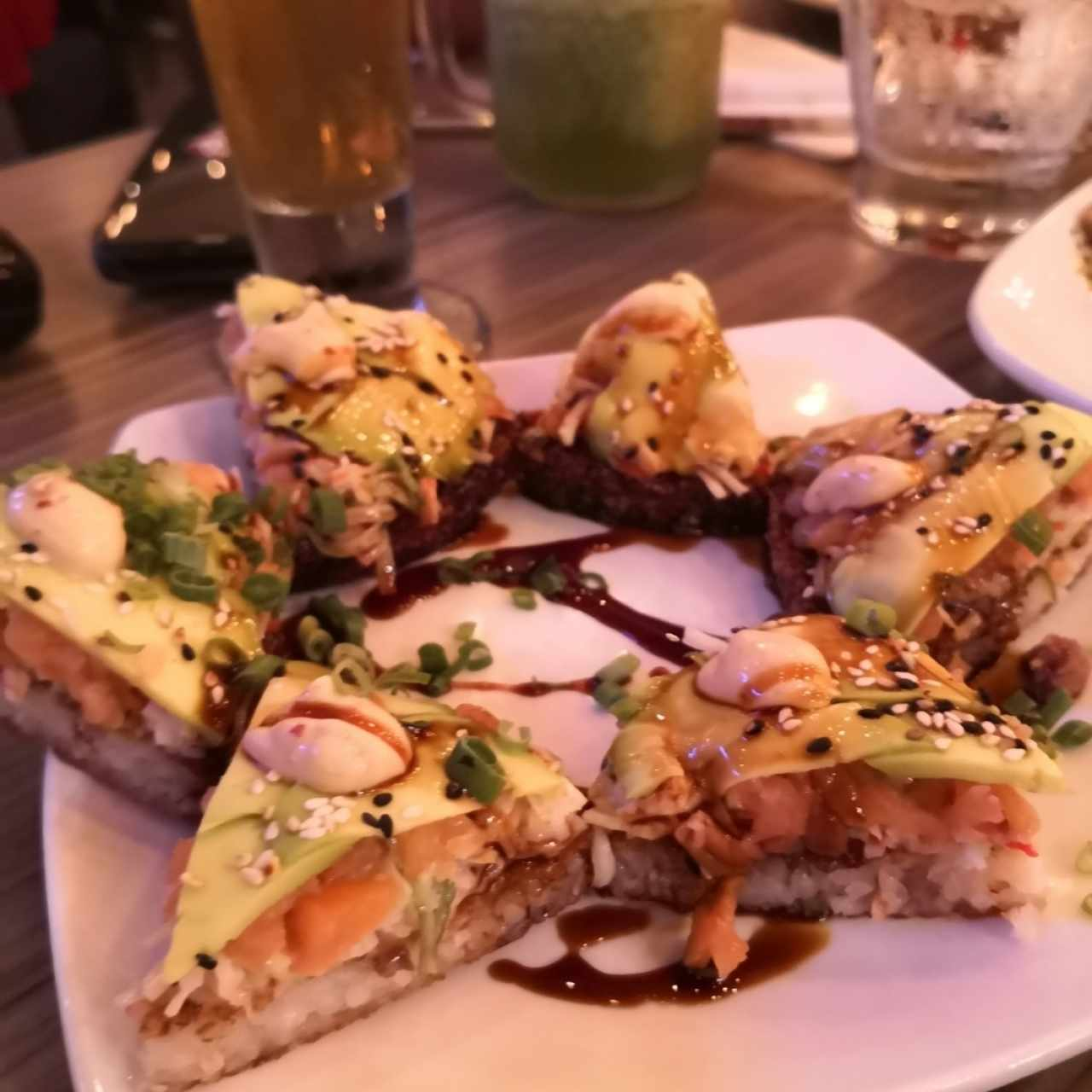 Sushi a pizza de Salmon