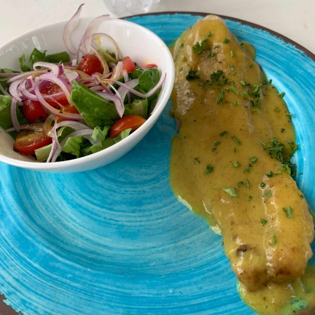 filete de pescado con coco y curry