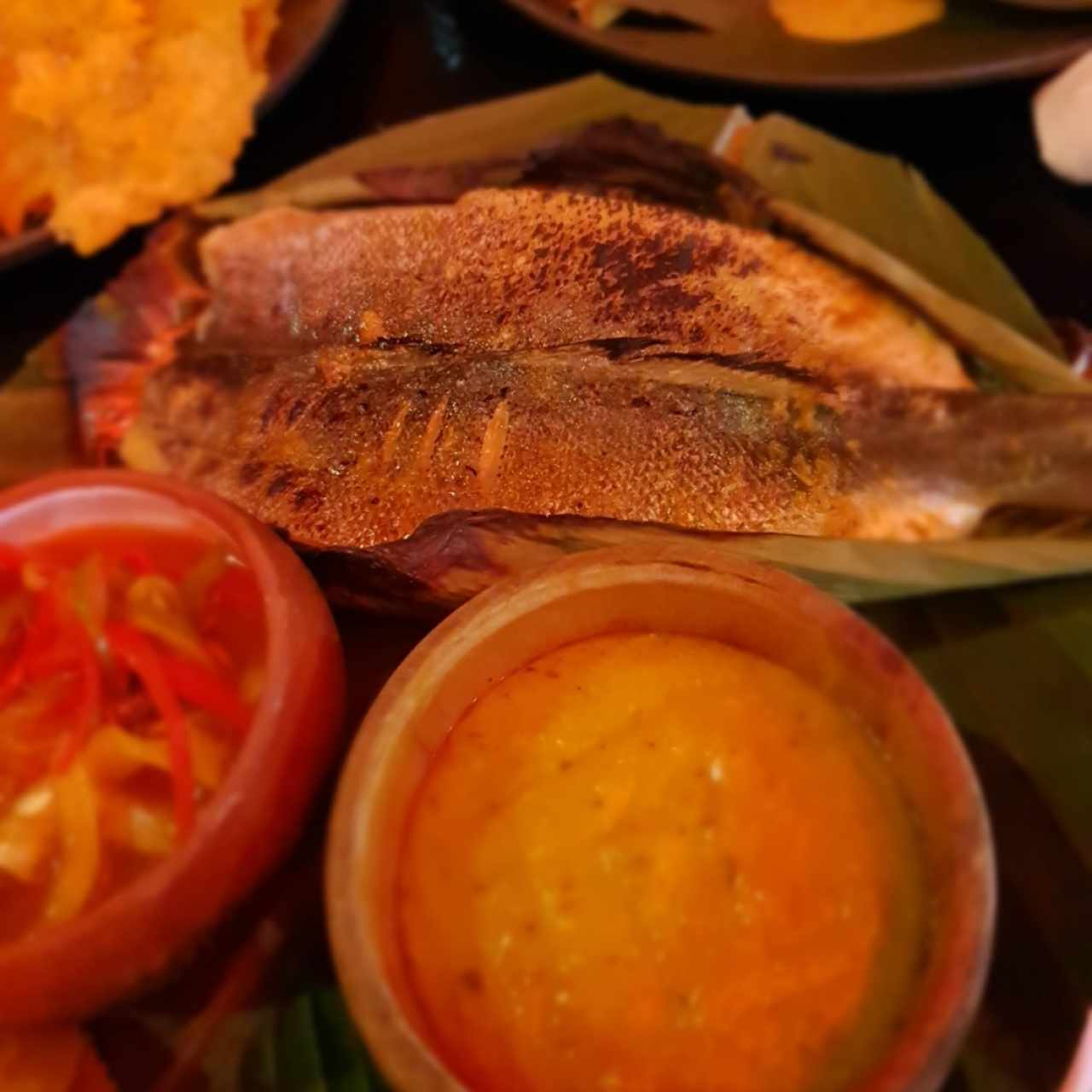 Filete de pescado con pure de tamal