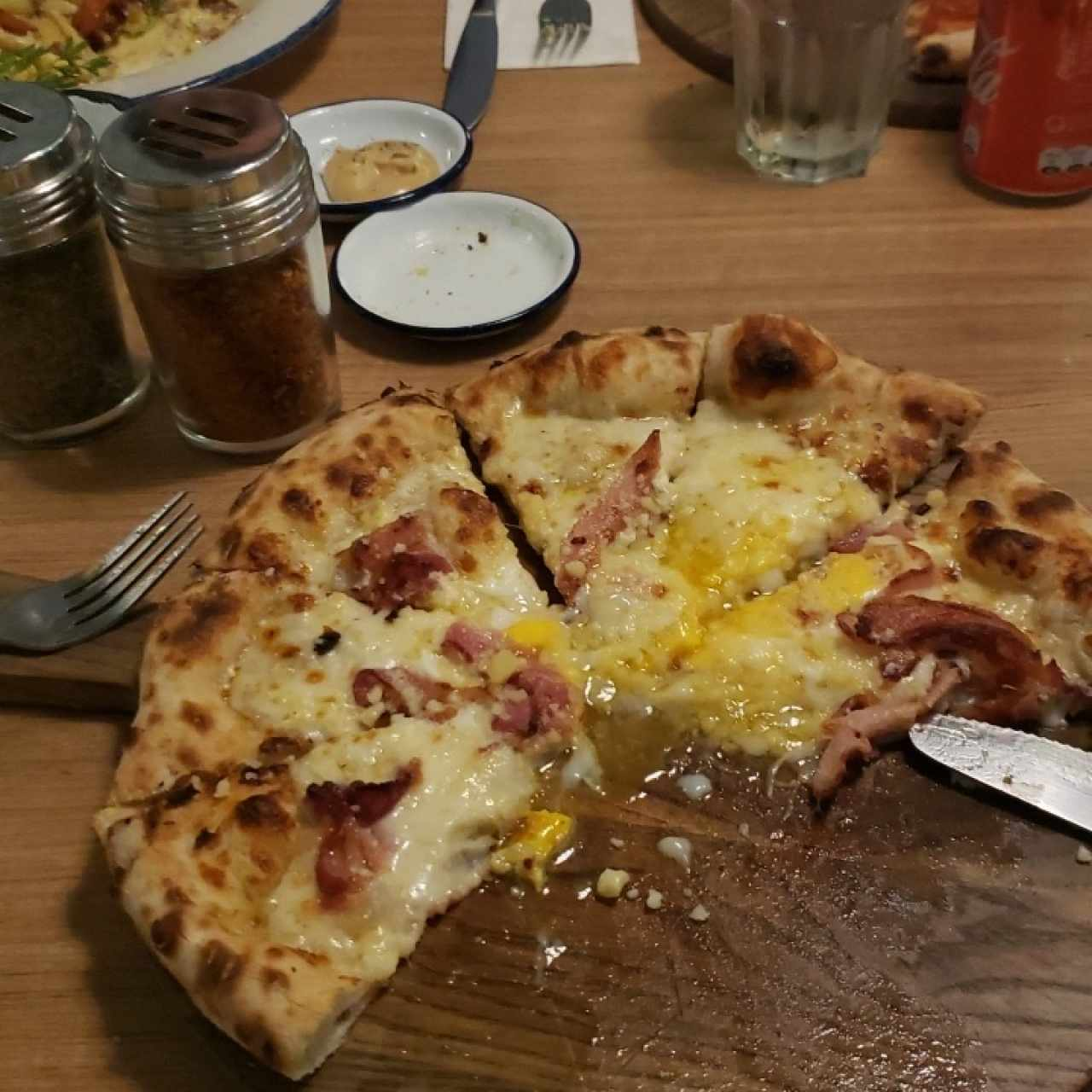 pizza carbonera