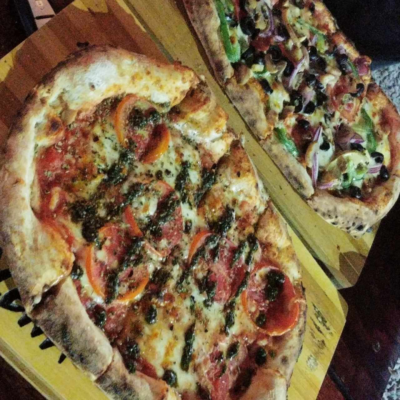 pizza vegetariana y pizza margarita