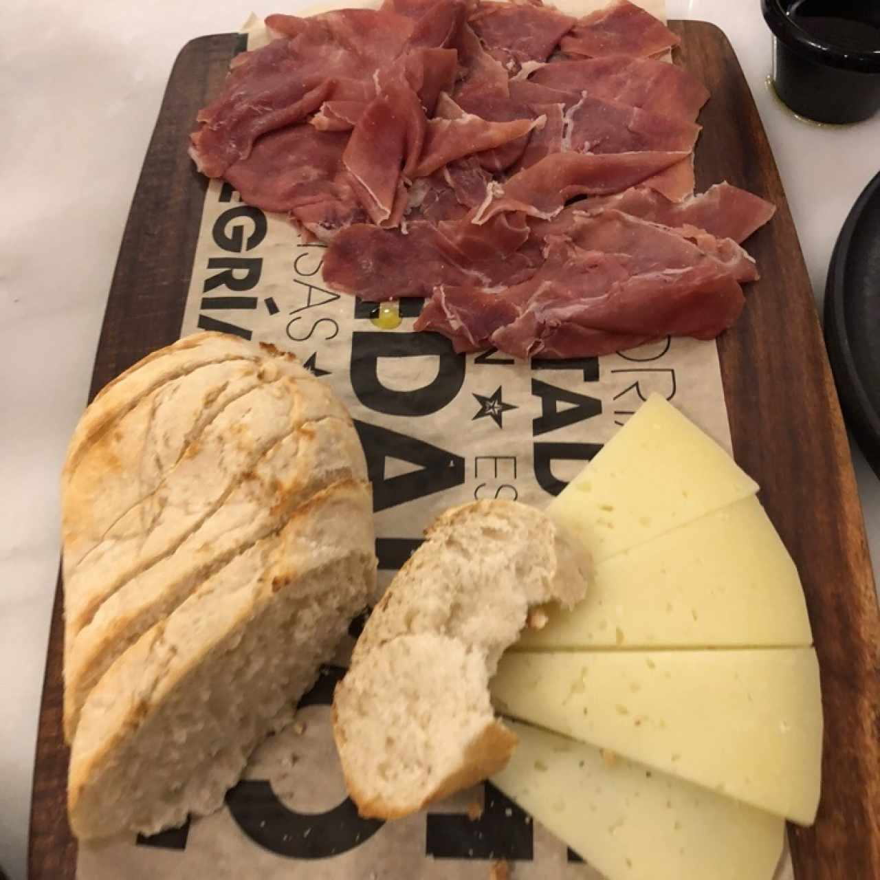 tabla de queso y jamon