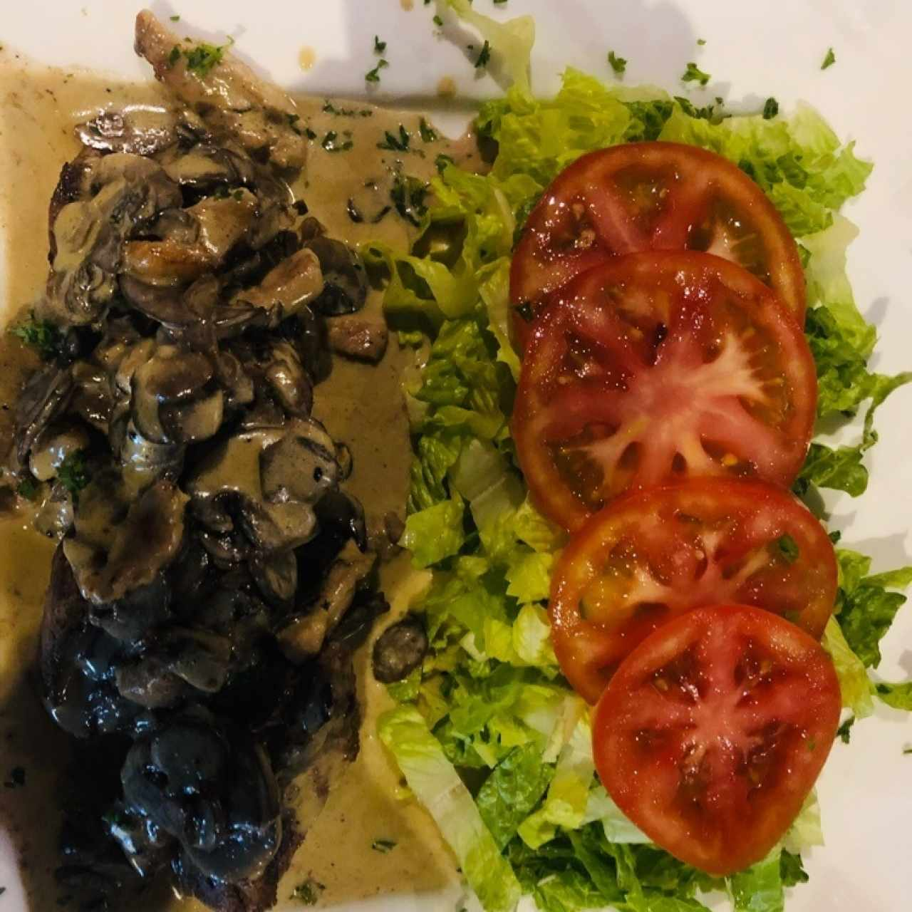 filete mignon con ensalada