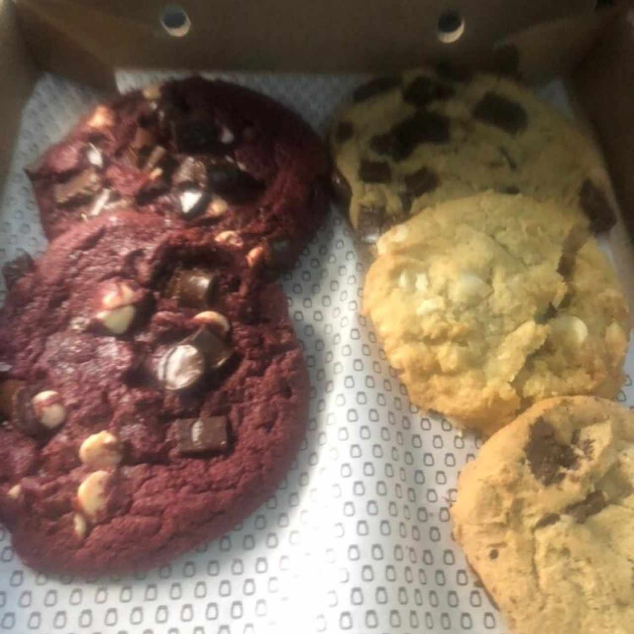 Red Velvet, Chocolate Supreme, Macadamia y Chocolate Chunk