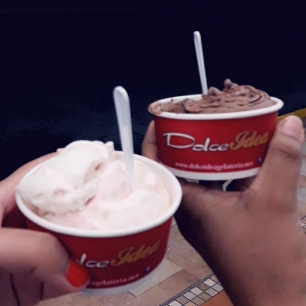 Helado de cheesecake y chocolate