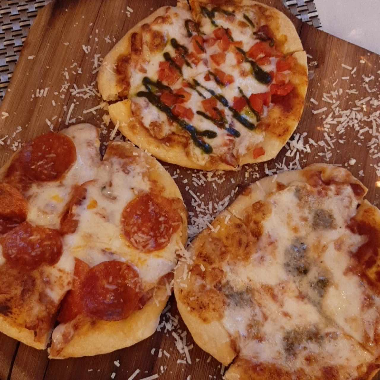 Pizza Trío