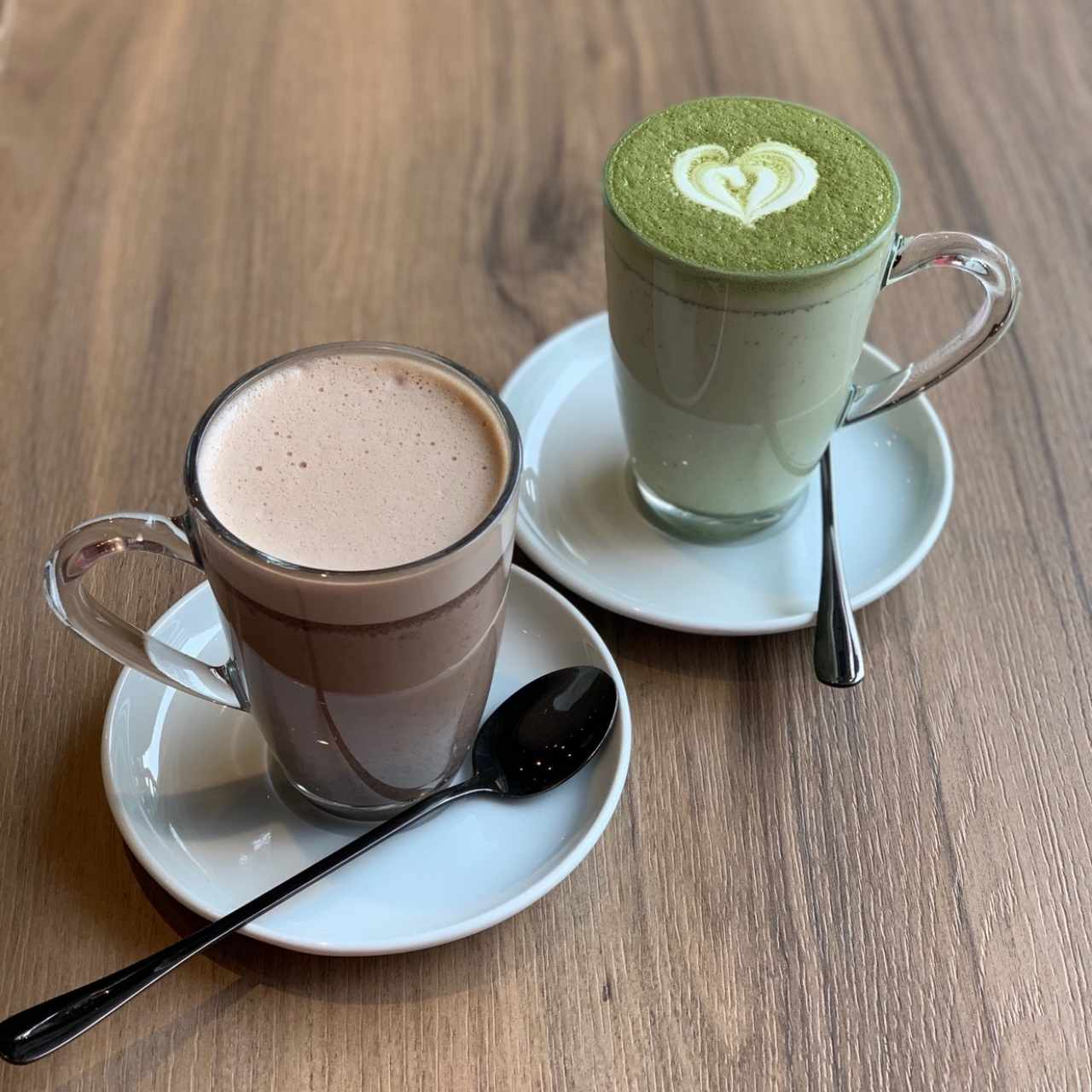 chocolate caliente y matcha