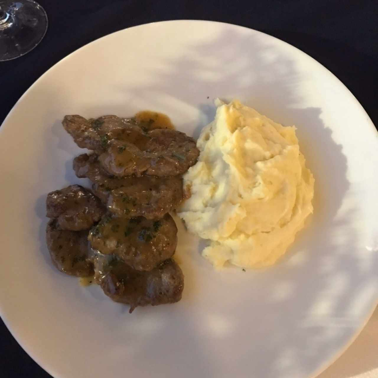 FILETTO EN SALSA DE CHAMPIÑONES