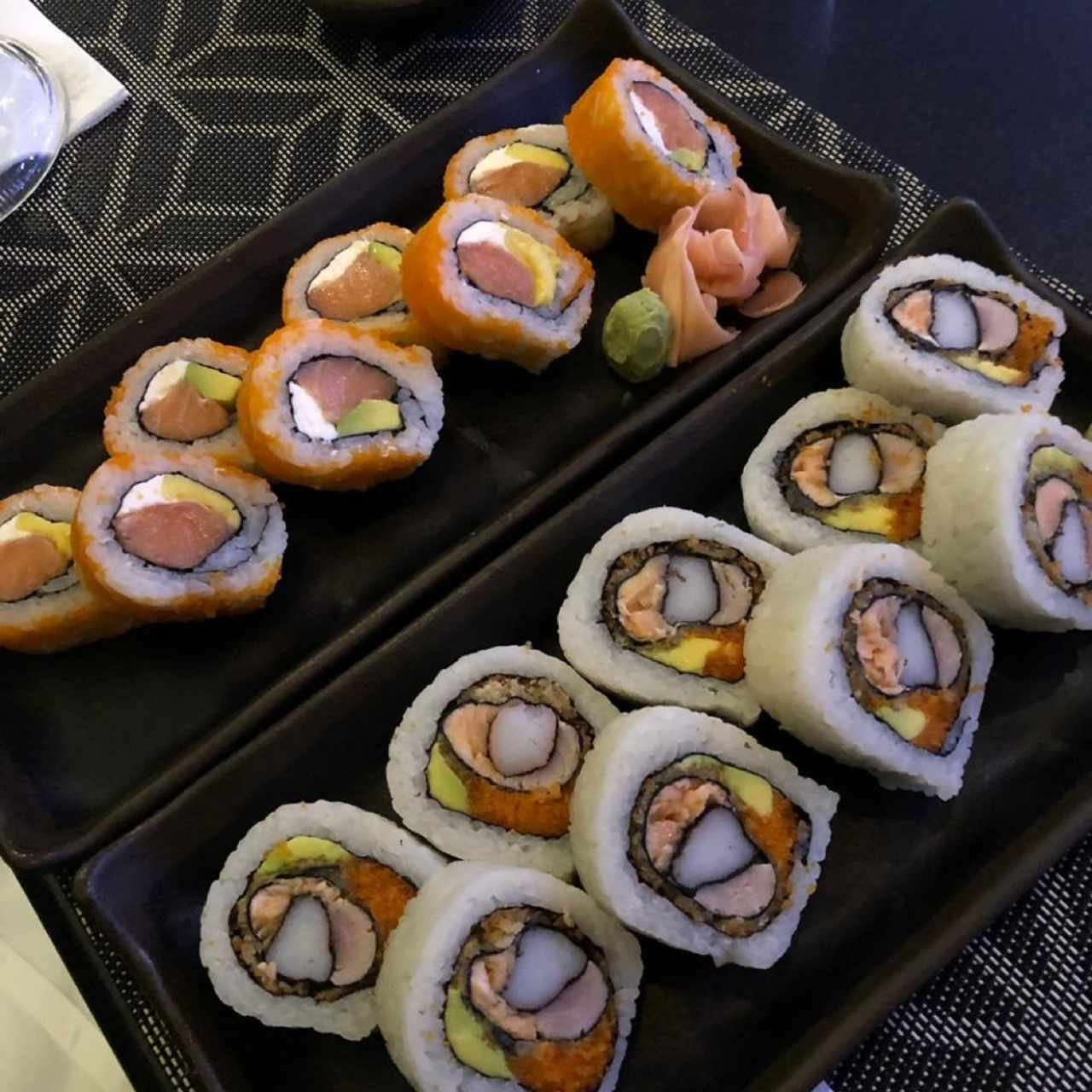 atlantis roll y Ojo de tigre roll