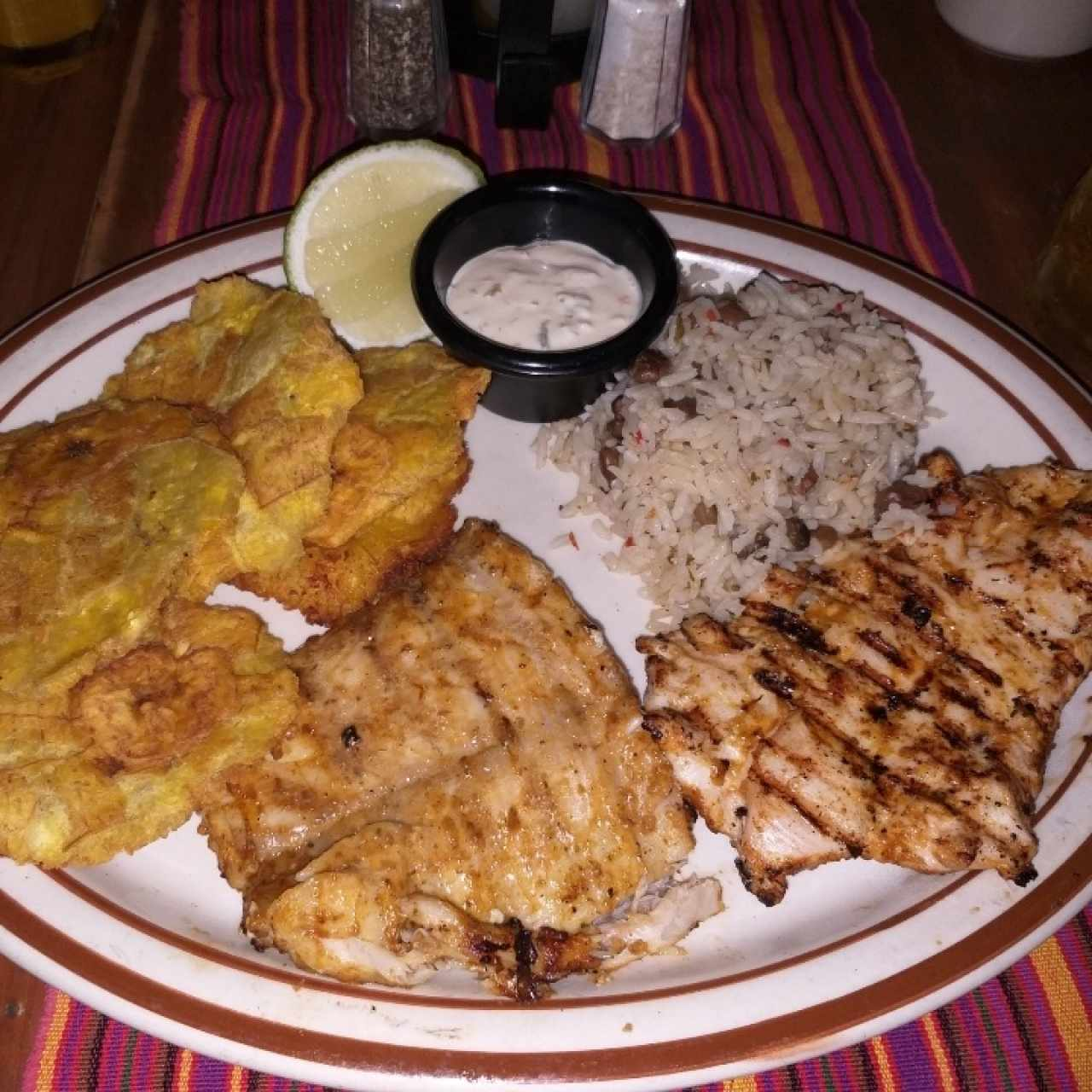 Platos Mixtos - Corvina y Pollo