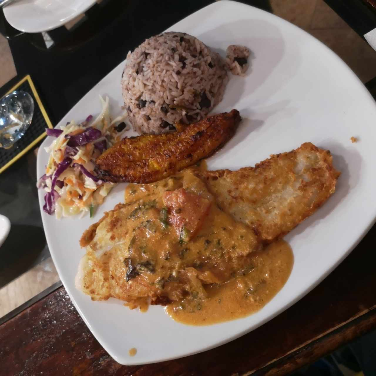 filete de corvina con coco