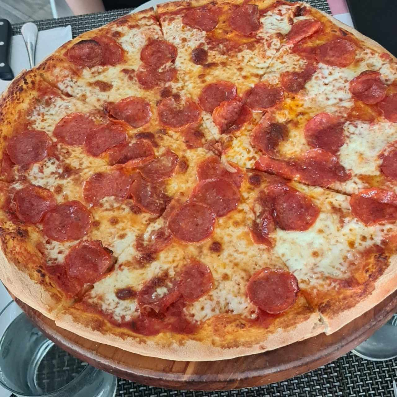 PIZZA FAMILIAR DE PEPERONI