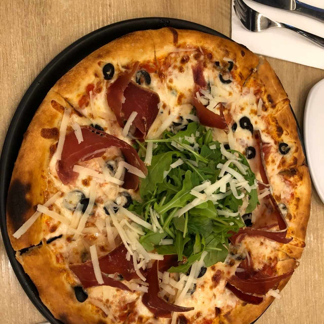 Pizza de jamon serrano