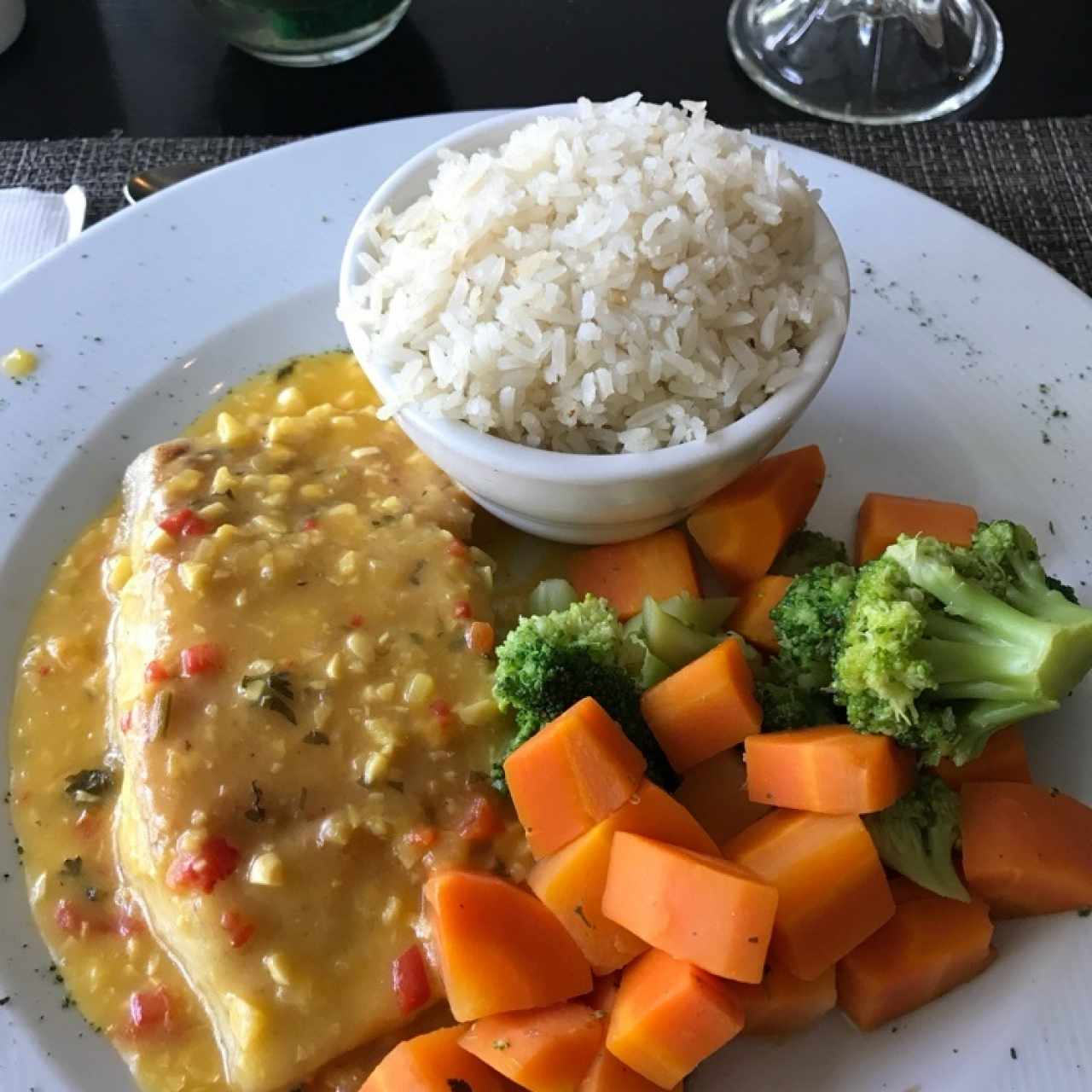 Corvina 🐟 vegetales 🥕🥦 y arroz 🍚