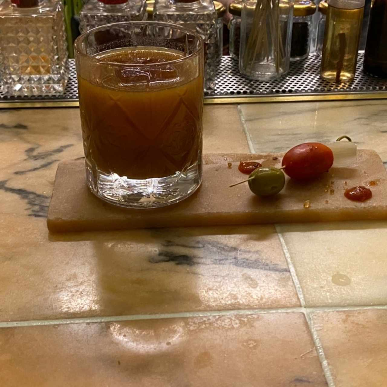 Cocktail de Vodka con Tomate de Arbol