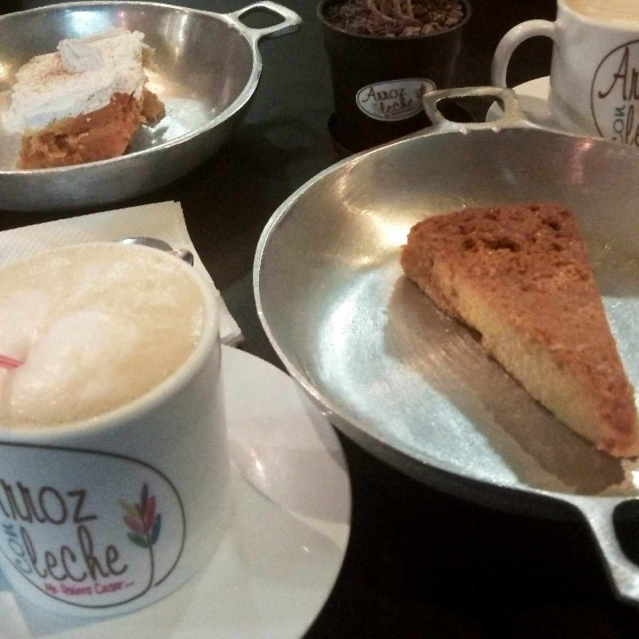 Tres Leches + Quesillo + Cafés