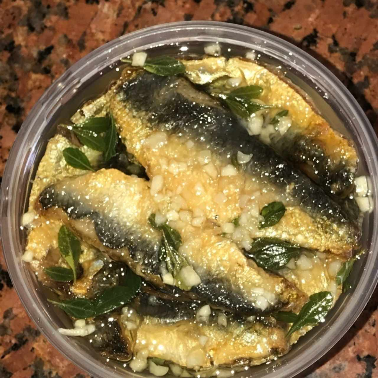 boquerones marinados al olio variante con ajo, limon y laurel, exquisitos!