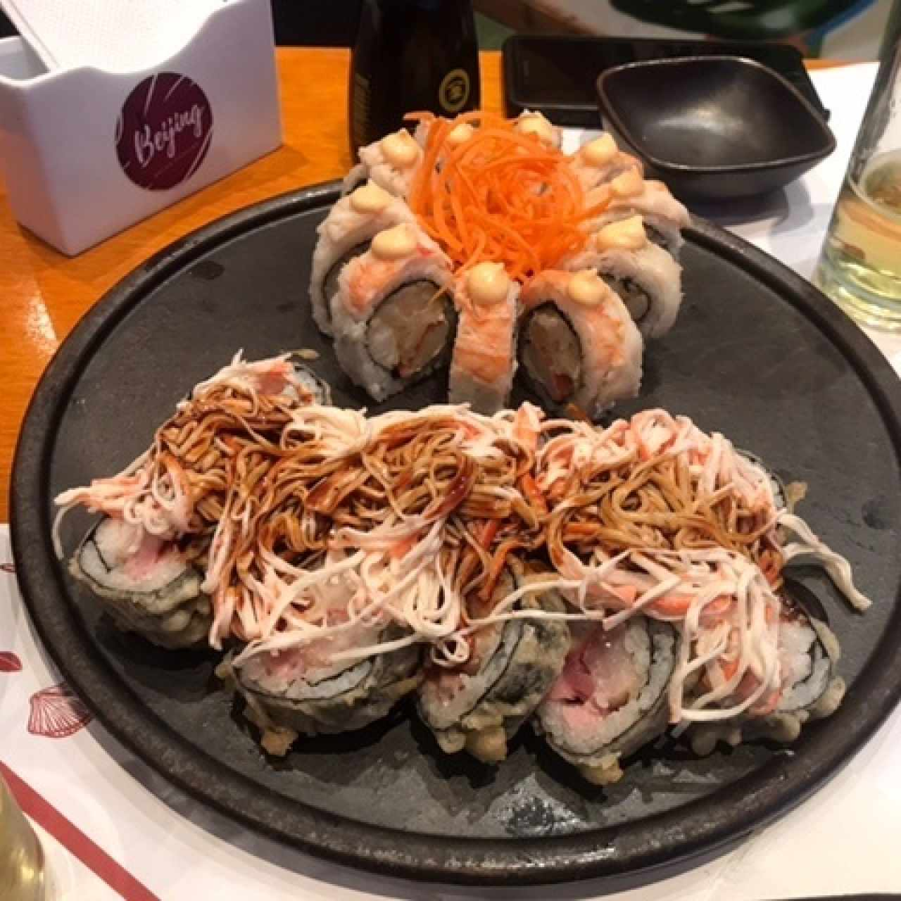 SUSHI ROLLS/MAKIS/PREMIUMS - Dragón Roll