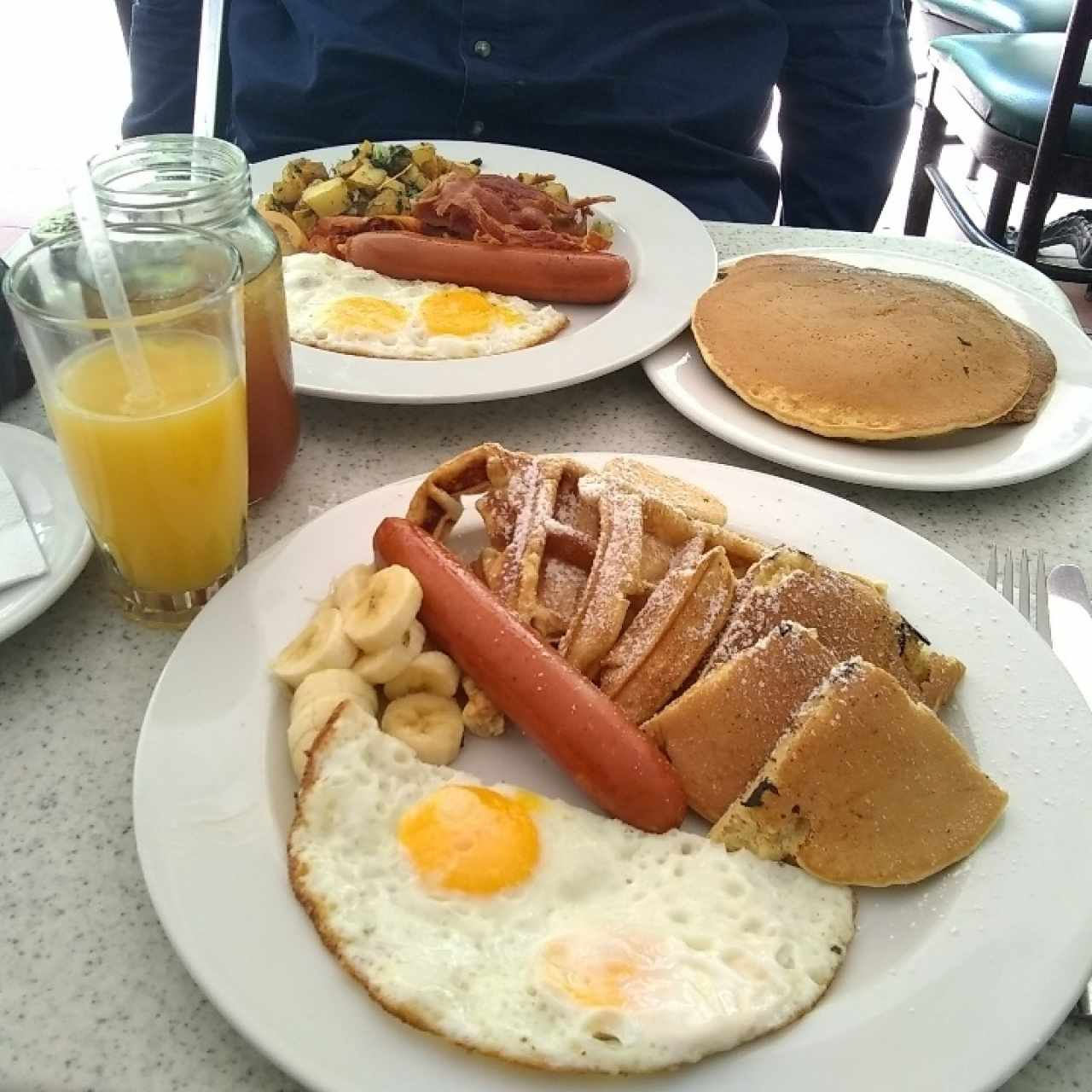 Arriba: Big Breakfast. Abajo: Mix Breakfast